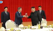 Dấu ấn trong ngày đầu cuộc gặp Kim - Moon ở Bình Nhưỡng