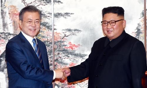 Những lần lãnh đạo thế giới vào lãnh thổ đối thủ để họp thượng đỉnh