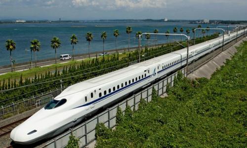 Vé tàu cao tốc Bắc - Nam bằng 75% máy bay, bạn chọn phương tiện nào?