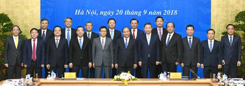 Các thành viên Uỷ ban Quốc gia về Chính phủ điện tử. Ảnh: Nguyễn Hoàng/VGP