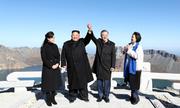 Lãnh đạo Hàn - Triều thăm miệng núi lửa trên đỉnh thiêng Paektu
