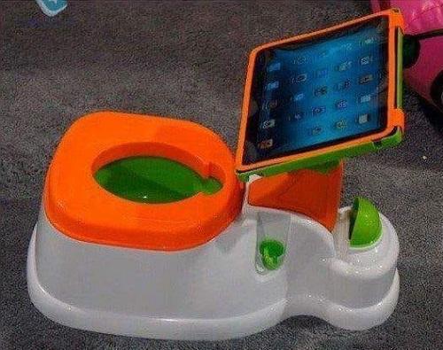 Xe đồ chơi của trẻ em thế kỷ mới.
