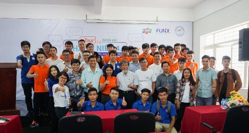 Thầy trò ĐH Lạc Hồng (Đồng Nai) giao lưu cùng mentor FUNiXtrong xTour Thanh niên 4.0.