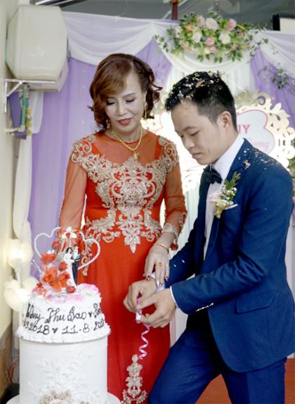 Đám cưới chị Thu Sao và anh HoaCương diễn ra sáng 20/9. Ảnh: Trọng Nghĩa.
