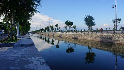 Các tuyến đường, con sông quanh ngôi nhà nơi Chủ tịch nước từng sinh sống được dọn dẹp sạch sẽ, khang trang. Ảnh: Lê Hoàng.