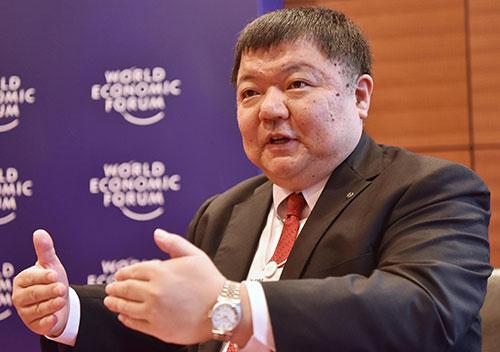 Ông Yutaka Sanada trả lời phỏng vấn VnExpress. Ảnh: Giang Huy.