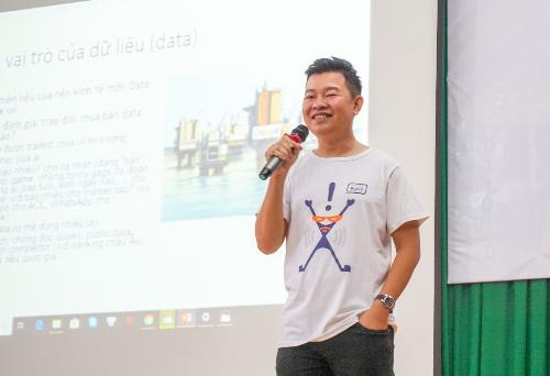 Mentor Trương Gia Bảo chia sẻ tại chương trình
