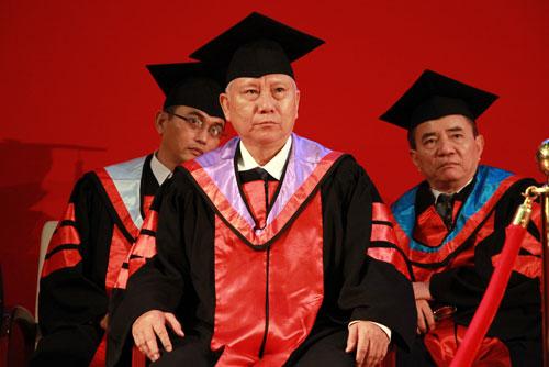 Các giáo sư, phó giáo sư của Đại học Quốc tế (Đại học Quốc gia TP HCM). Ảnh: Mạnh Tùng.