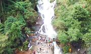 Mạo hiểm tính mạng ở thác Datanla Đà Lạt