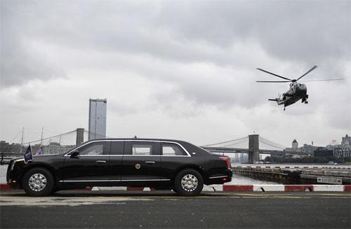 Xe chống đạn mới của Tổng thống Trump trong chuyến đi tại New York. Ảnh: Twitter.