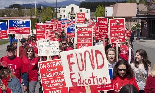 Làn sóng biểu tình của giáo viên Mỹ bùng nổ trong năm 2018. Ảnh:Reuters