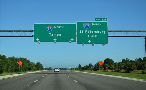 Tai nạn xảy ra trên đường I-275 gần thành phố St. Petersburg, bang Florida. Ảnh minh họa.