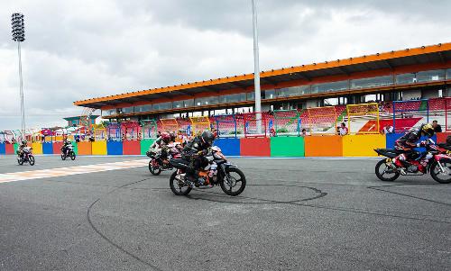 Tay lái Việt nài Honda Wave, MSX, Winner trên đường đua - 2