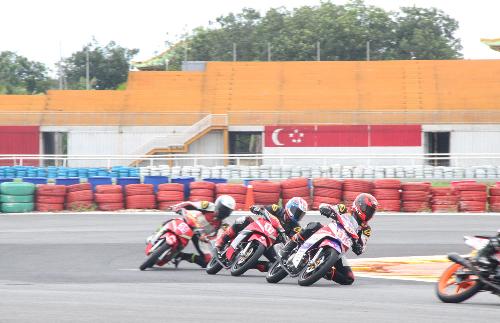 Tay lái Việt nài Honda Wave, MSX, Winner trên đường đua