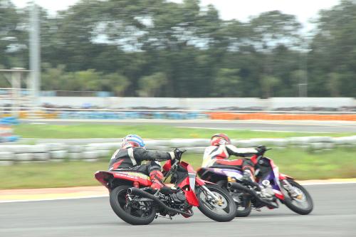 Tay lái Việt nài Honda Wave, MSX, Winner trên đường đua - 1