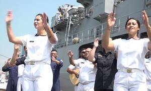 Thủy thủ tàu New Zealand nhảy điệu thổ dân khi cập cảng Sài Gòn