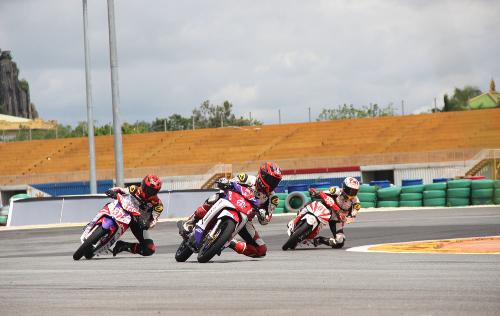 Tay lái Việt nài Honda Wave, MSX, Winner trên đường đua - 7