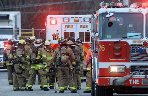 Lính cứu hỏa ở thủ đô Washington, Mỹ. Ảnh: AFP.