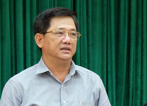 Phó Giám đốc Sở Giáo dục và Đào tạo Hà Nội Phạm Xuân Tiến trao đổi về chương trình Sữa học đường tại giao ban báo chí của Thành uỷ Hà Nội ngày 25/9. Ảnh: Quỳnh Trang.