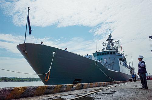 Tàu Te Mana tại cảng Sài Gòn hôm nay. Ảnh: Thành Nguyễn