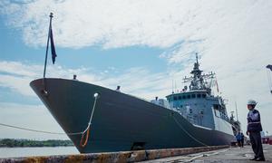 Khu trục hạm New Zealand cập cảng Sài Gòn