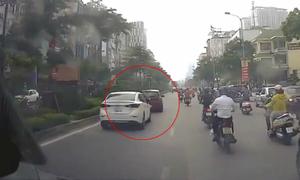 Tài xế Hyundai 'trả thù' Mazda và cơn ức chế giao thông trên đường Việt