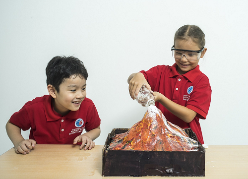 Những tiết học tại phòng thí nghiệm, phòng thực hành... tăng trải nghiệm cho học sinh.