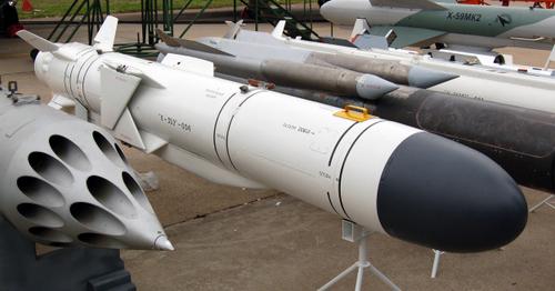 Phiên bản xuất khẩu Kh-35E (mũi đen) được Nga giới thiệu hồi năm 2009. Ảnh: Wikipedia.