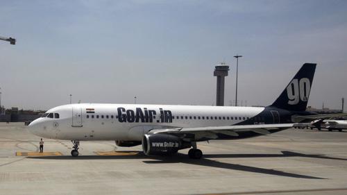 Một máy bay của hãng hàng không GoAir, Ấn Độ. Ảnh: Reuters.