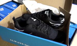 Hàng nghìn đôi giày, túi xách không rõ nguồn gốc bị tạm giữ