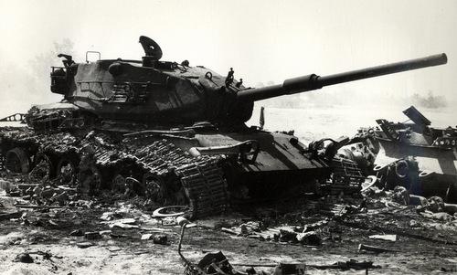 Xe tăng Israel bị phá hủy trong ngày đầu cuộc chiến Yom Kippur. Ảnh: Wikipedia.