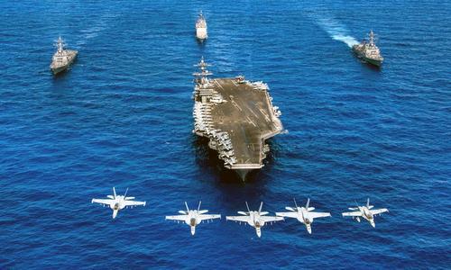 Một nhóm tác chiến tàu sân bay Mỹ trên Thái Bình Dương năm 2010. Ảnh: US Navy.