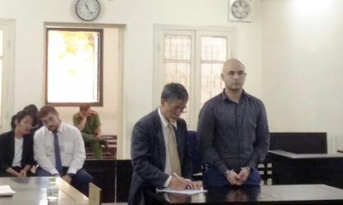 Roman Zmajkovic tại phiên tòa ở Hà Nội hôm 25/9. Ảnh: SCMP.