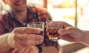 Đề xuất 'cấm bán rượu trên internet' gây tranh luận