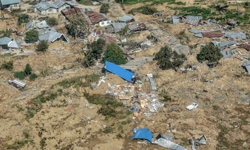 Một phần thành phố Palu bị phá hủy sau thảm họa kép động đất, sóng thần hôm 28/9. Ảnh: Reuters.