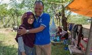 Người chồng Indonesia đoàn tụ vợ sau hai ngày tìm kiếm trong tuyệt vọng