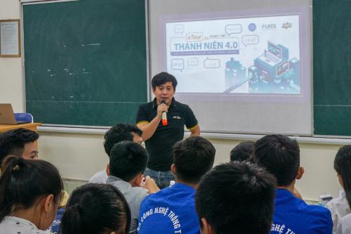 300 sinh viên ĐH Mỏ Địa chất tham gia xTour của FUNiX - 1