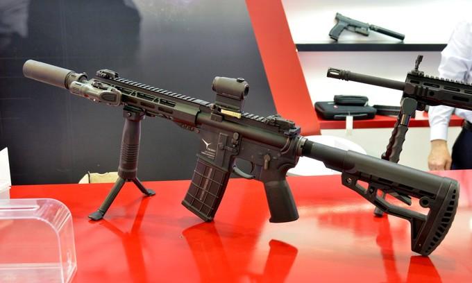 Dàn khí tài, súng bộ binh tại triển lãm an ninh ở Hà Nội