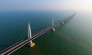 Trung Quốc chạy thử xe trên cầu vượt biển dài nhất thế giới