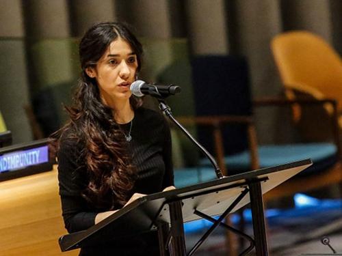 Nadia Murad phát biểu trước Liên Hợp Quốc tháng 3/2017. Ảnh: AFP.