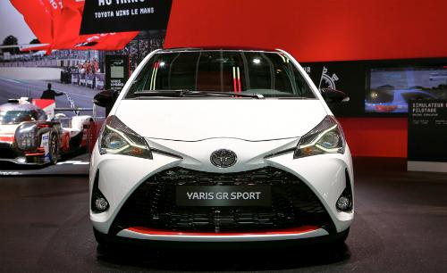 Mẫu hatchback thể thao Yaris GR Sport tại triển lãm xe hơi đang diễn ra tại Paris, Pháp.