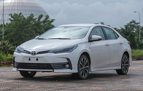 Toyota Corolla Altis 2018 không thay đổi kiểu dáng tại Việt Nam. Ảnh: Lương Dũng.