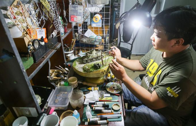 Người đàn ông chuyên chế tác sa bàn về chiến tranh