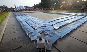 Xếp domino từ 3.000 cuốn sách tại Hoàng Thành Thăng Long