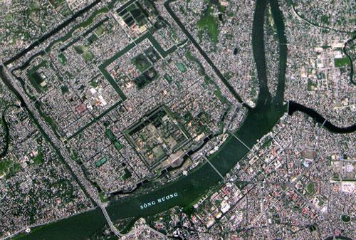 Ảnh Thành phố Huế do vệ tinh VNREDSat-1. Ảnh chụp màn hình.