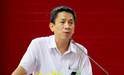Ông Phan Văn Tuấn thông tin về đề án di dời 4.200 hộ dân khỏi khu vực I di tíchKinh thành Huế. Võ Thạnh