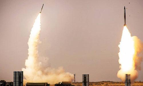 Tổ hợp tên lửa phòng không S-400. Ảnh: RIA Novosti