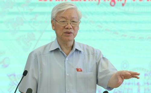 Tổng bí thư Nguyễn Phú Trọngphát biểu tại cuộc tiếp xúc cử tri sáng 8/10. Ảnh: Võ Hải