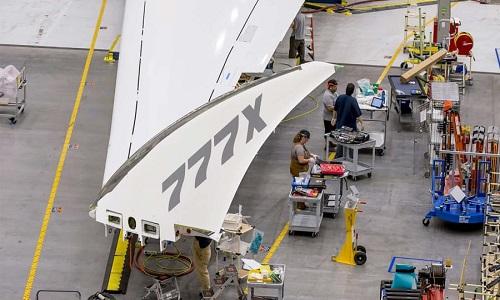 777-9X có thiết kế cánh gập giúp tăng lực nâng. Ảnh: CNN.