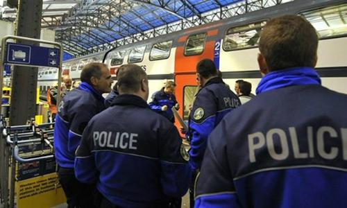 Cảnh sát Thụy Sĩ ở đông bắc nước này tháng 8/2016. Ảnh: Reuters.